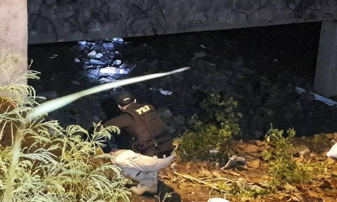 Criminosos explodiram uma bomba em uma ponte Foto: Reprodução