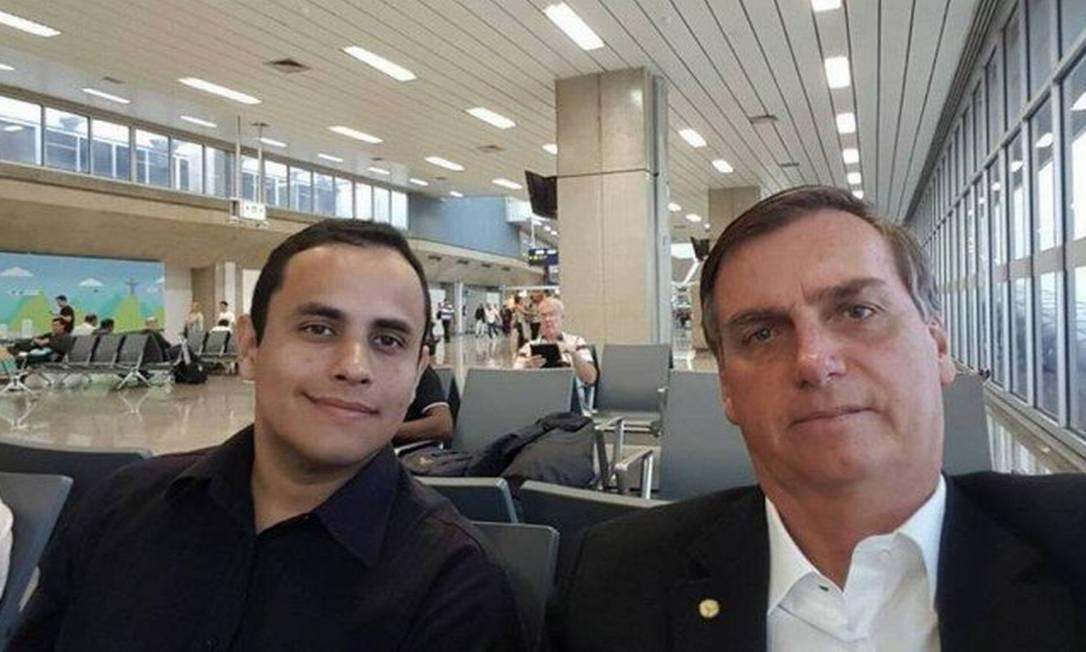 Tercio Tomaz, atual assessor especial da Presidência, e o presidente Jair Bolsonaro Foto: Reprodução da internet