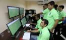 Árbitros do Campeonato Carioca treinam situações de dúvida no simulador instalado na sede da Federação do Rio Foto: Guilherme Pinto
