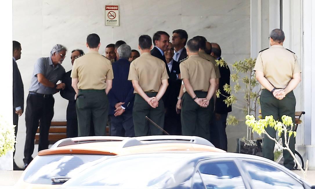 Jair Bolsonaro participa de almoço com colegas da turma de 1977 da Academia Militar das Agulhas Negras (AMAN), no hotel de trânsito de oficiais Foto: Jorge William 12/12/2018 / Agência O Globo