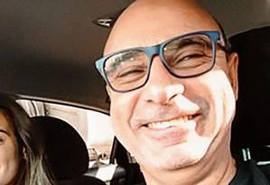 Fabrício Queirox, ex-assessor de Flávio Bolsonaro, recebeu irregularmente R$ 16,8 mil em auxílio-educação; valor foi pago pela Alerj Foto: Reprodução / Facebook
