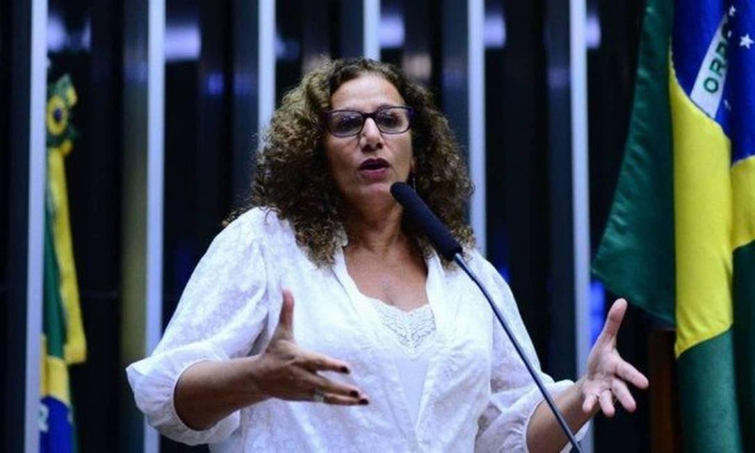 Jandira Feghali, contra o apoio a Rodrigo Maia, foi a escolhida pelos militantes comunistas para apanhar virtualmente pela aliança Foto: Divulgação / Câmara dos Deputados