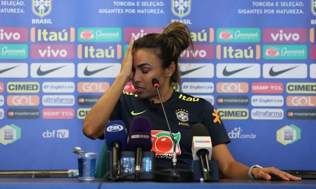 Marta chora durante coletiva na Granja Comary Foto: Lucas Figueiredo/Divulgação CBF
