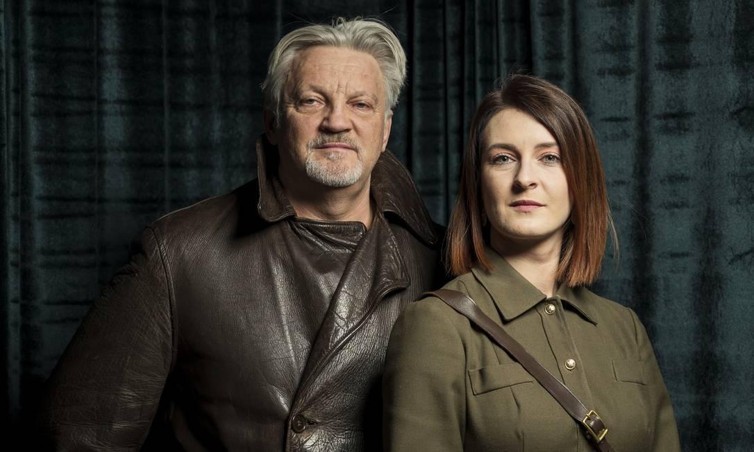 """A dupla de pai e filha de Julius Urbaitis e Agne Urbaityte, os curadores do """"KGB Spy Museum"""", em Nova York Foto: KARSTEN MORAN / NYT"""