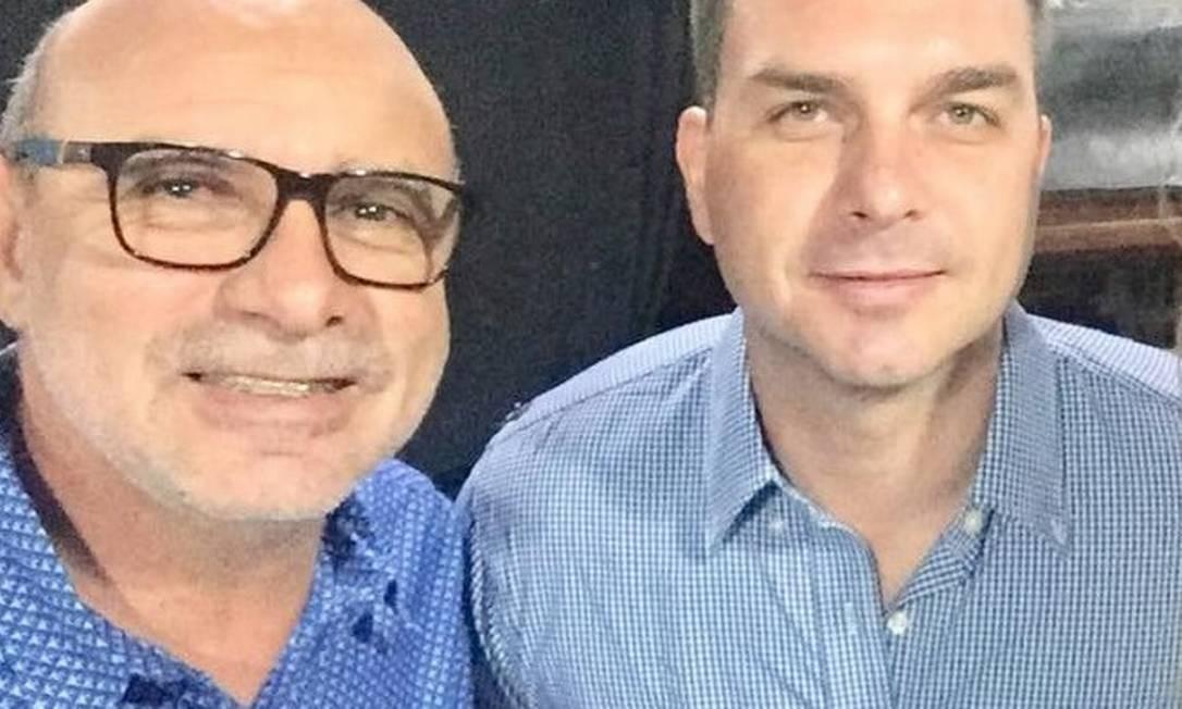 Fabrício Queiroz foi assessor de Flávio Bolsonaro por mais de dez anos na Alerj. O Conselho de Controle de Atividades Financeiras (Coaf) identificou que Queiroz movimentou R$ 7 milhões em três anos, valor incompatível com os rendimentos dele na Alerj. O órgão também identificou que funcionários do gabinete repassavam parte dos salários a Queiroz, o que gerou a suspeita de que ele liderasse um esquema chamado de 'rachadinha' Foto: Reprodução / Facebook