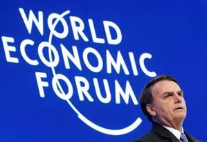 Bolsonaro foi o primeiro presidente latino-americano a discursar no Fórum Econômico Mundial, em Davos Foto: ARND WIEGMANN / REUTERS