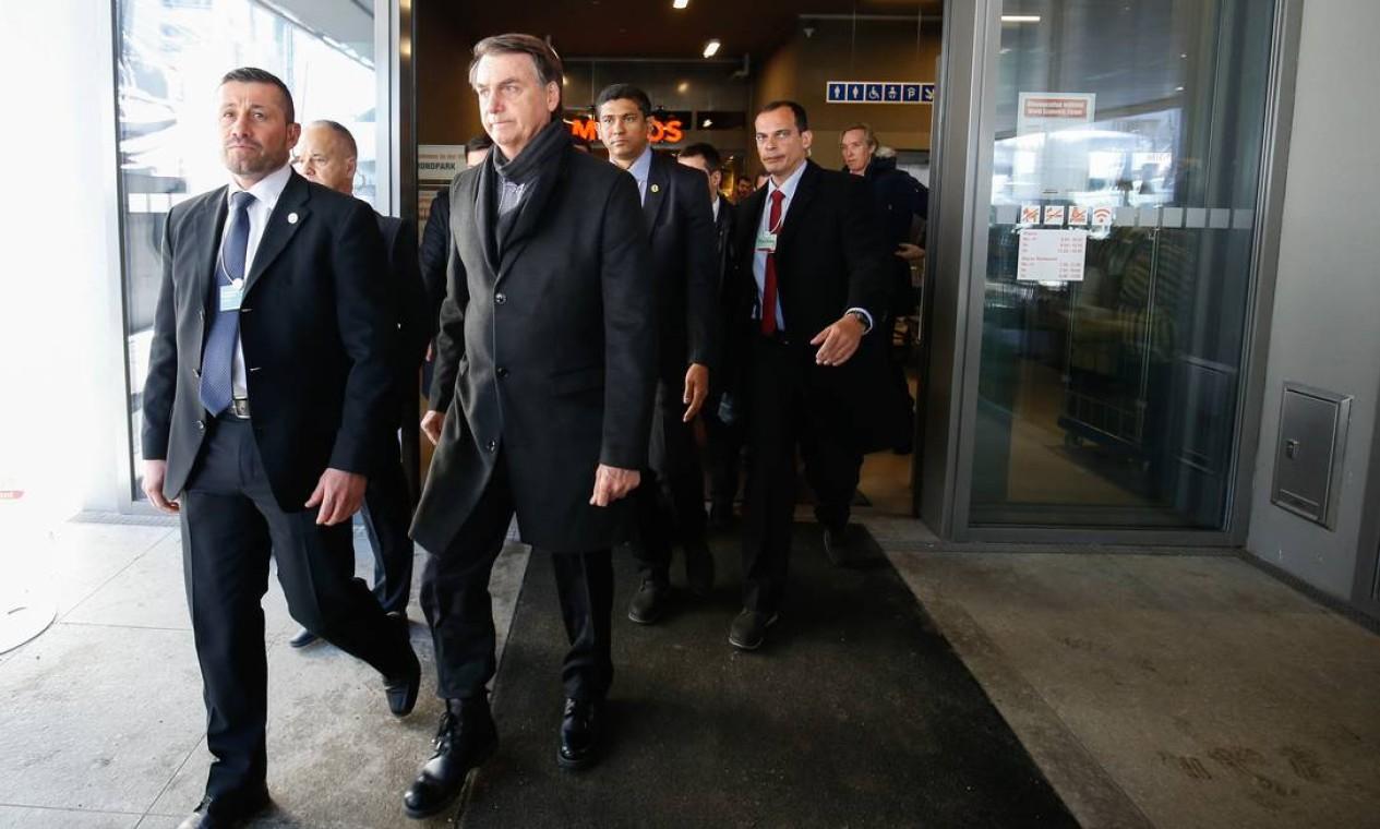 O presidente Jair Bolsonaro almoça no bandejão do supermercado Migros antes de discursar no Fórum, em Davos Foto: Alan Santos / PR