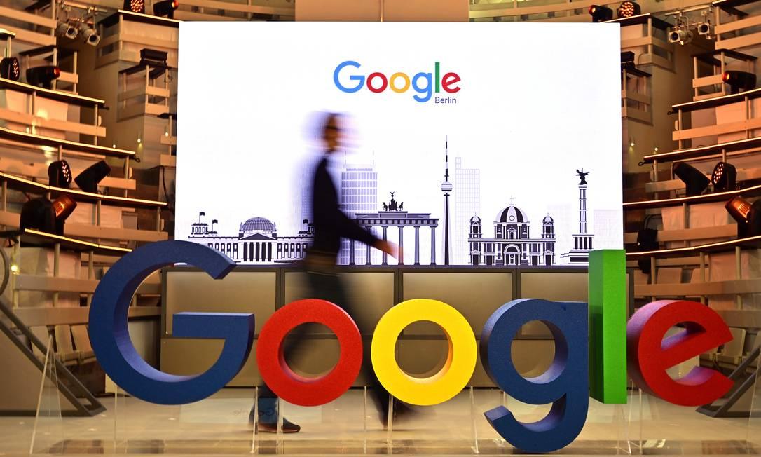 Google News pode ser retirado da União Europeia se nova lei de direitos autorais for aprovada Foto: TOBIAS SCHWARZ / AFP
