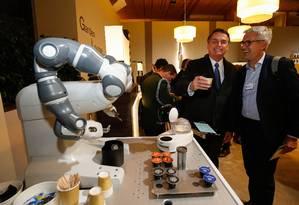 Bolsonaro, toma um cafezinho