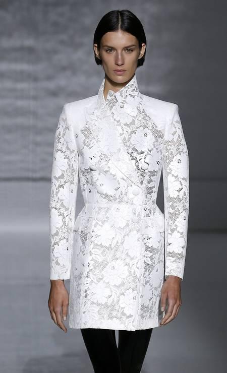 Mais flores na Givenchy Estrop / Getty Images