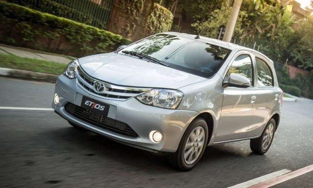 Toyota Etios Hatch é um dos modelos incluídos no recall de airbag Foto: Divulgação