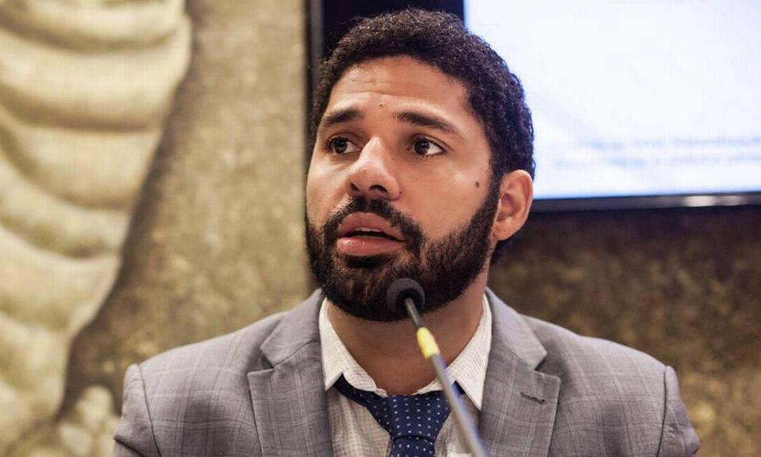 David Miranda, do PSOL, foi eleito vereador do Rio em 2016 e agora deve assumir a cadeira deixada por Jean Wyllys na Câmara dos Deputados Foto: Reprodução / Facebook