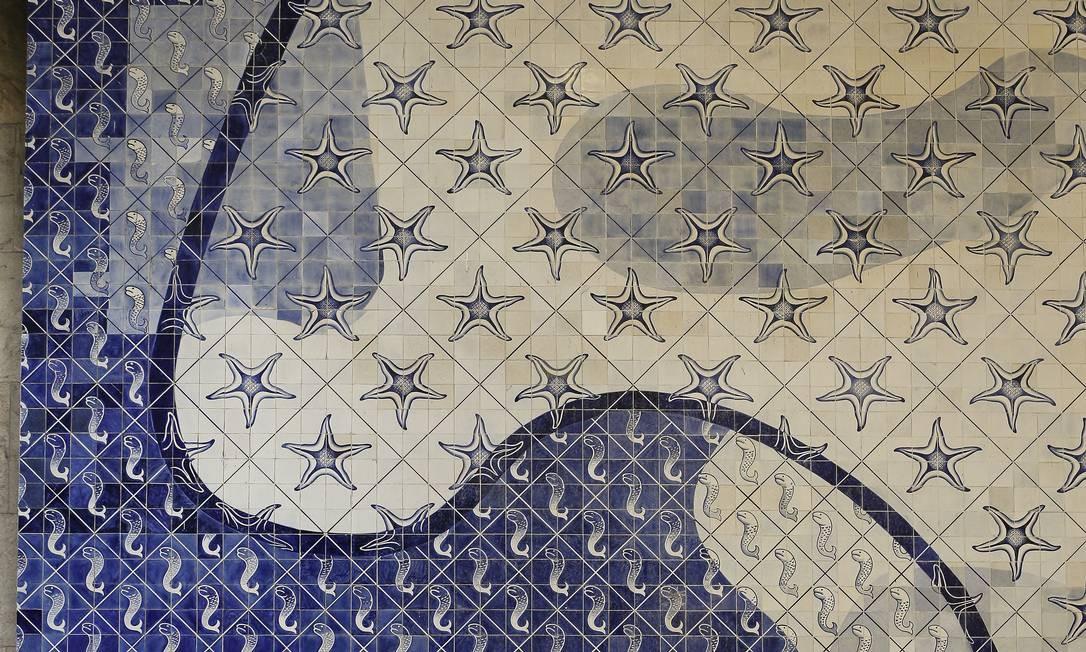 Segundo o Iphan, existem 47.873 azulejos na totalidade das obras assinadas por Portinari no Edifício Gustavo Capanema Foto: Pablo Jacob / Agência O Globo
