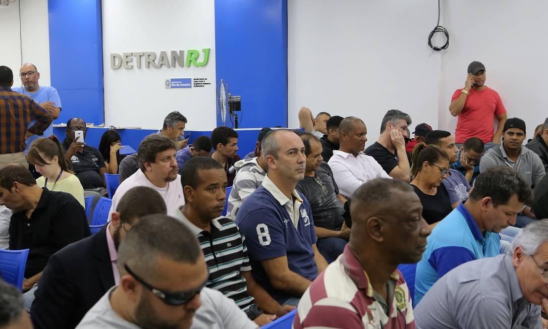 Justiça cancelou a cobrança da taxa de vistoria do Detran Foto: Guilherme Pinto / Agência O Globo