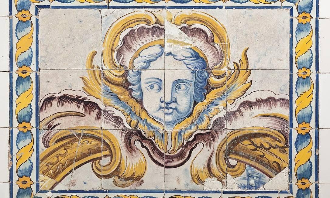 Azulejos antigos estão pelas paredes, em fontes, e na piscina do Museu do Açude Foto: Jaime Acioli / Divulgação