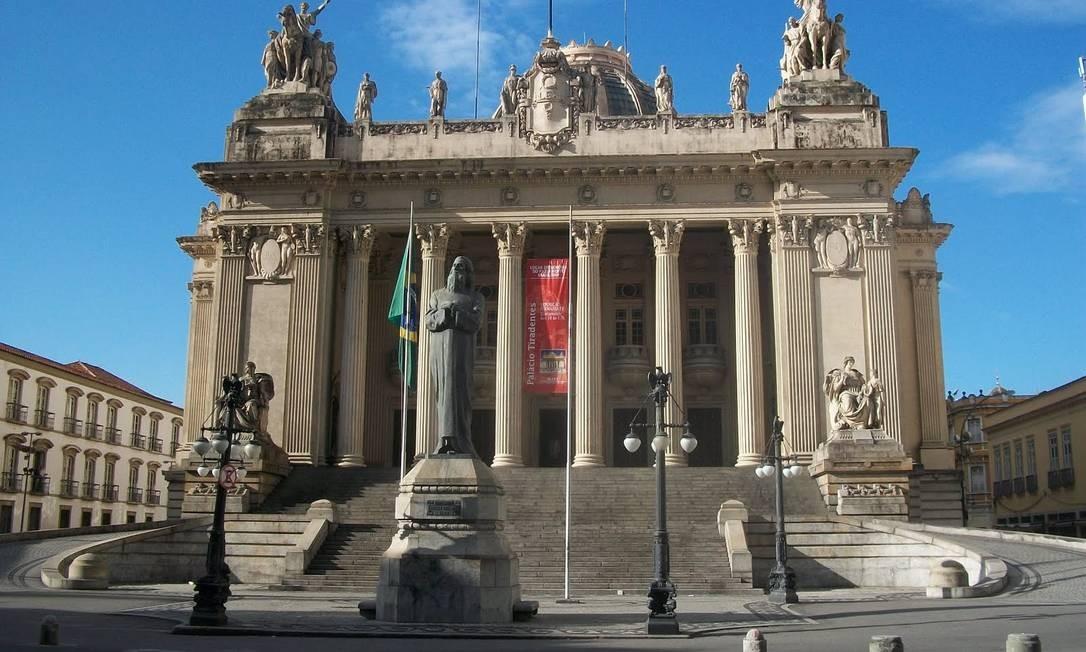 Fachada da Assembleia Legislativa do Rio (Alerj) Foto: Arquivo O Globo