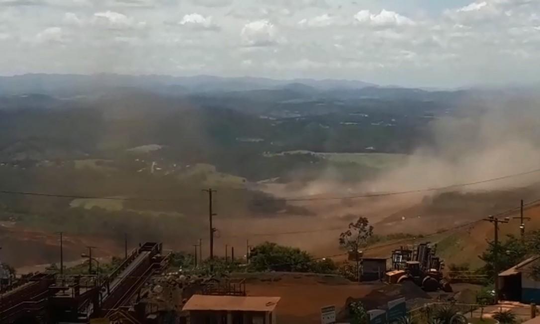 Moradores informam que todos os acessos à cidade ficaram fechados Foto: Divulgação/CBMMG