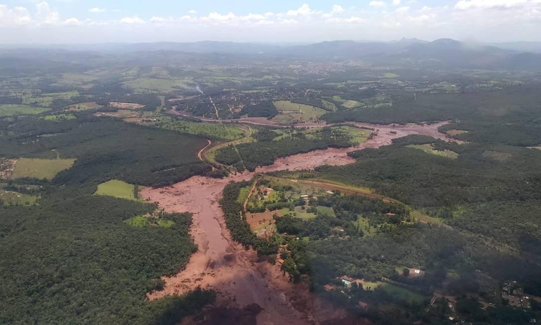 Barragem se rompe em Brumadinho, na Grande BH - Imagens aéreas dos bombeiros. Foto: Divulgação / CBMMG