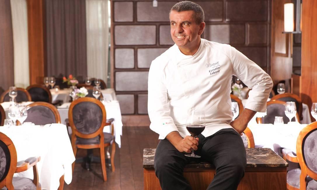 O chef Renato Ialenti garante que no Alloro Al Miramar, no Windsor Miramar, em Copacabana, ele usa o máximo de ingredientes originais da Itália, seu país natal. Foto: Berg Silva / Divulgação