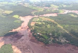Mar de lama com rejeitos tóxicos avançou sobre largas áreas de Brumadinho, na Região Metropolitana de BH Foto: Corpo de Bombeiros de Minas Gerais