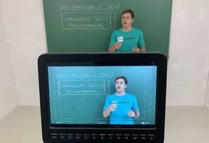 O Descomplica é uma plataforma digital de estudo. Uma das funções do sistema é oferecer vídeos para reforço universitário Foto: Divulgação / Divulgação
