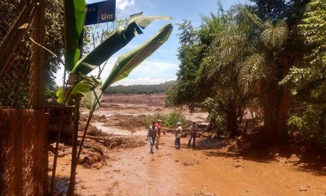 Barragem rompida: governo de Minas confirma à Vale que houve mortes Foto: Divulgação / Corpo de Bombeiros