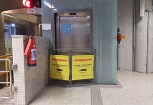 Passageiros reclamam da falta de conservação da estação São Conrado Foto: Felipe Grinberg / Agência O Globo