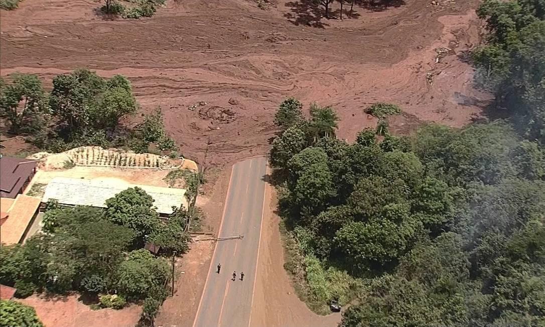 Rompimento de barragem deixou mar de lama em Brumadinho (MG), Região Metropolitana de Belo Horizonte Foto: Reprodução / TV Globo