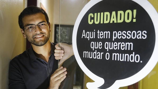 Guilherme Lopes educador e sócio da Brun Hub de Educação ao lado de Bruno Souza Foto: Antonio Scorza / Agência O Globo