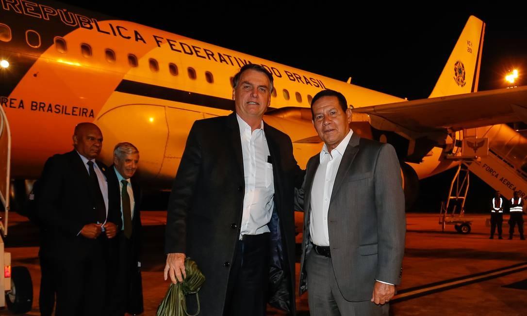 Jair Bolsonaro é recebido por Hamilton Mourão após retornar do Fórum Mundial de Davos Foto: Alan Santos/Presidência