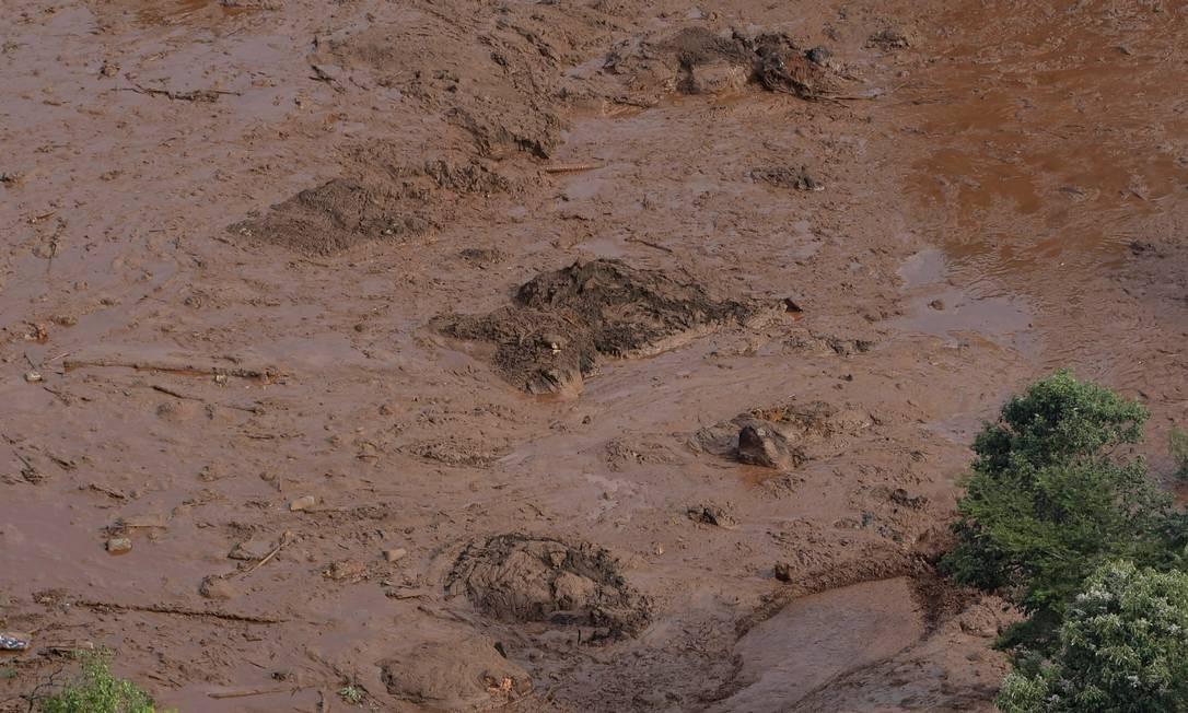 Lama cobra pista após a tragédia Foto: WASHINGTON ALVES / REUTERS