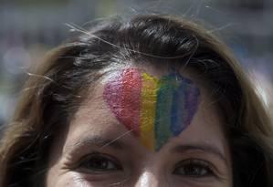 Ativistas LGBT protestam em defesa dos direitos da comunidade Foto: RAUL ARBOLEDA / AFP