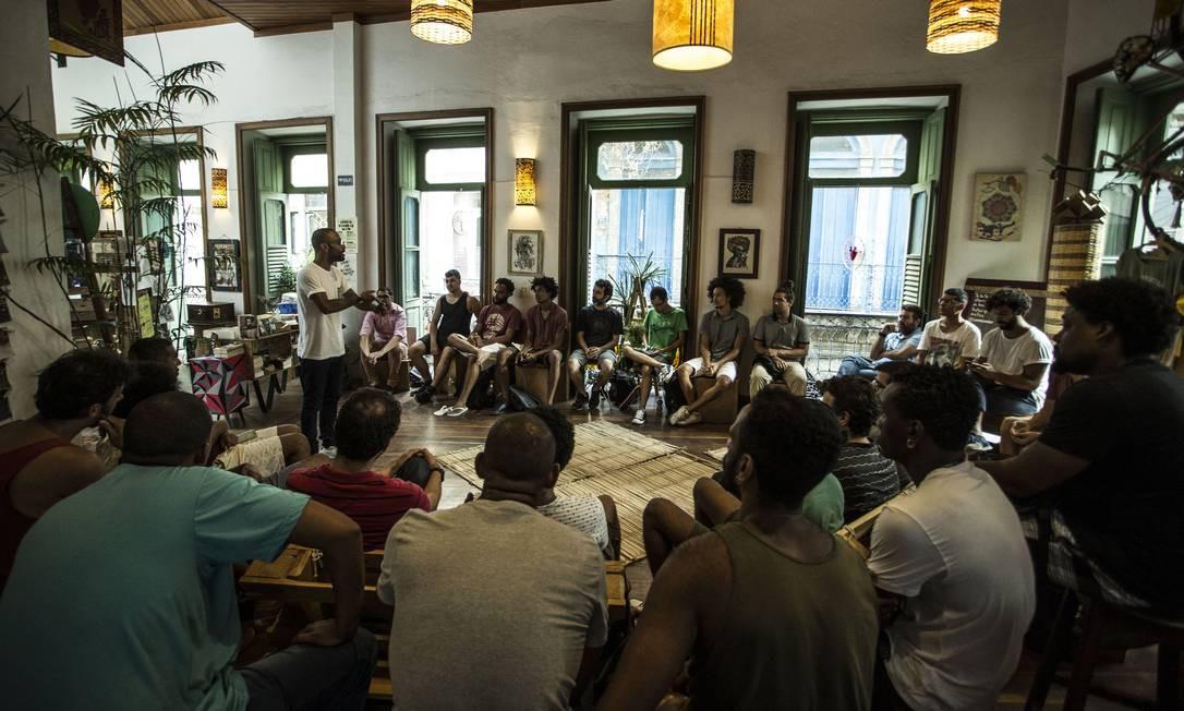 Curso aborda questões relativas à masculinidade e ao papel do homem perante a sociedade Foto: Guito Moreto / Agência O Globo