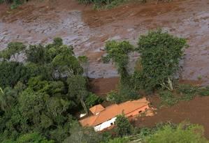 Casa foi soterrada pela lama de rejeitos em Brumadinho Foto: WASHINGTON ALVES / REUTERS