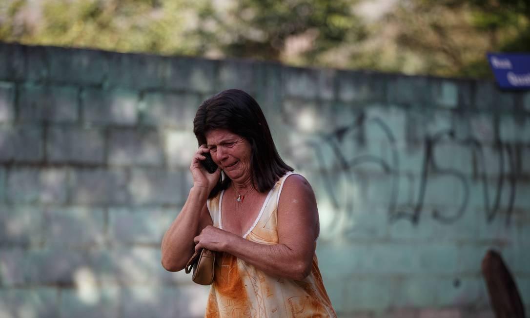 Familiar se desespera sem ter informacoes sobre desaparecidos, após rompimento de barragem, em Brumadinho (MG), Regiao Metropolitana de Belo Horizonte Foto: Daniel Marenco / Agência O Globo