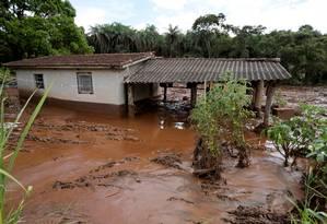 Casa tomada pela lama de rejeitos em Brumadinho Foto: WASHINGTON ALVES / REUTERS