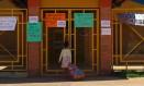 Professores não voltaram às escolas em Goiás com proposta de pagamento parcelado. Estado decretou calamidade financeira Foto: Daniel Marenco / Agência O Globo