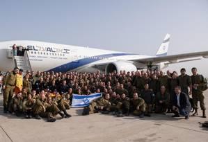 Israelenses embarcam para ajudar nas buscas em Brumadinho Foto: Reprodução do Twitter