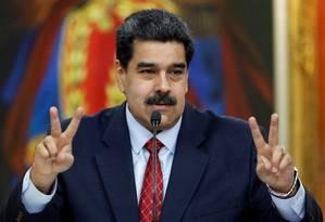 Presidente está isolado, mas ainda 'sobrevive' Foto: STRINGER / REUTERS