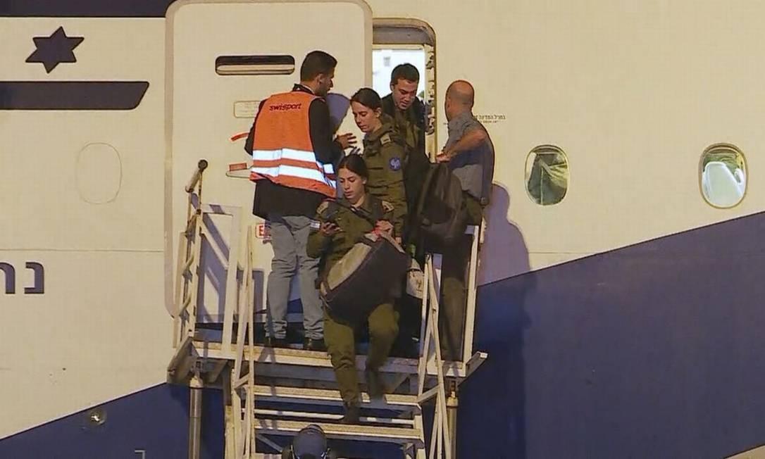 Militares de Israel chegam a aeroporto de Minas Gerais Foto: Reprodução TV Globo