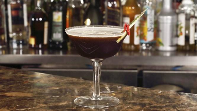Julieta Restaurante. O Black Coffe leva Tequila Patron X.O Café, Carpano clássico, abacaxi, angostura e hortelã (R$ 33) Foto: Divulgação/Jose Renato Antunes