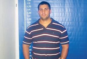 Procurado: Adriano Magalhães da Nóbrega é acusado de chefiar grupo de matadores de aluguel Foto: Divulgação / Polícia Civil