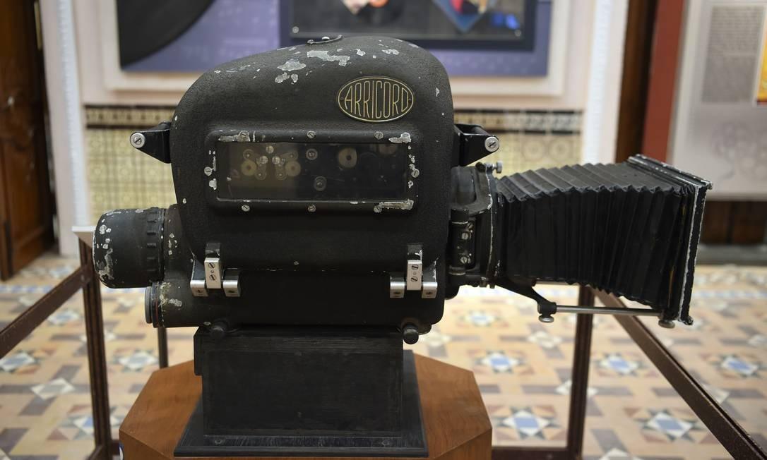 Câmera no Museu Nacional de Cinema Indiano Foto: PUNIT PARANJPE / AFP