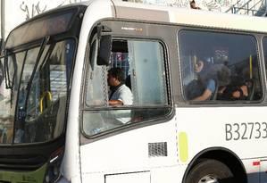 Tarifa de ônibus sobe de R$ 3,95 para R$ 4,05 Foto: Márcio Alves / Agência O Globo