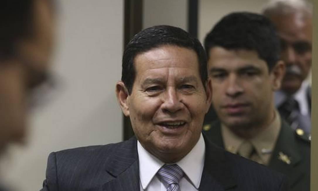 O presidente em exercício Hamilton Mourão, durante entrevista coletiva no Palácio do Planalto. Foto: Valter Campanato/Agência Brasil