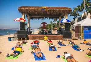Pessoas de qualquer idade podem participar das atividades do 'Curta Praia' Foto: Luke Garcia / Divulgação / Divulgação