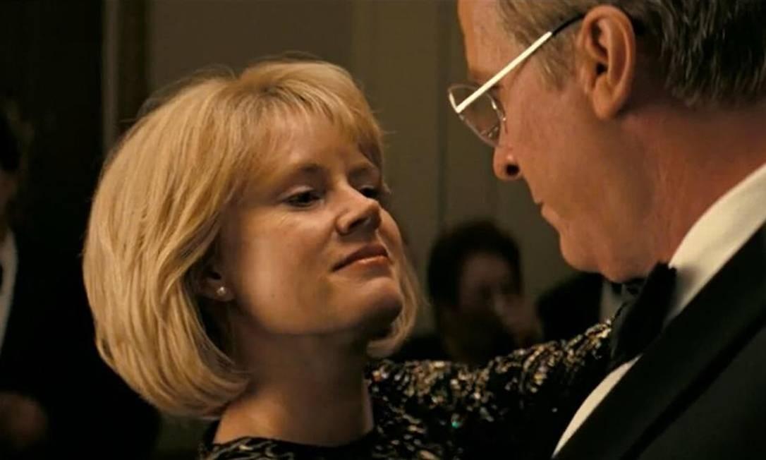 A postura firme de Lynne, interpretada por Amy Adams, levou o republicano a mudar de vida e chegar ao poder Divulgação
