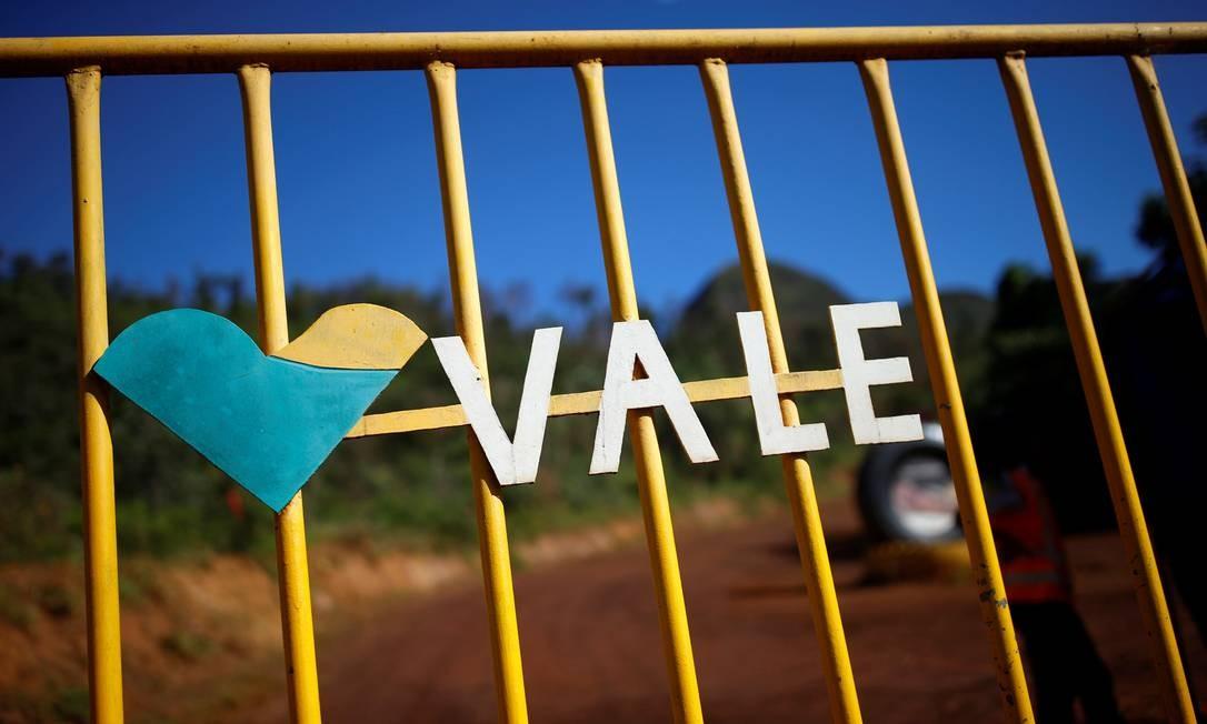 Um logotipo da mineradora brasileira Vale SA é visto em Brumadinho Foto: ADRIANO MACHADO / REUTERS