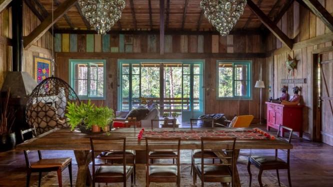 Detalhes dos ambientes da cabana da família, com peças recheadas de histórias e memórias Foto: André Nazareth