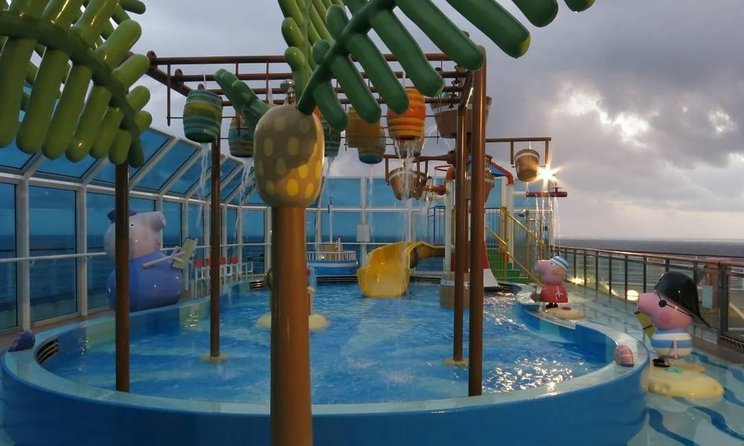 Piscina da área infantil no navio Costa Diadema Foto: André Sarmento / Agência O Globo